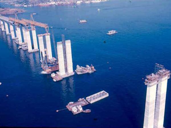 [Imagem: construcao_ponte%20rio%20niteroi_pilares.jpg]